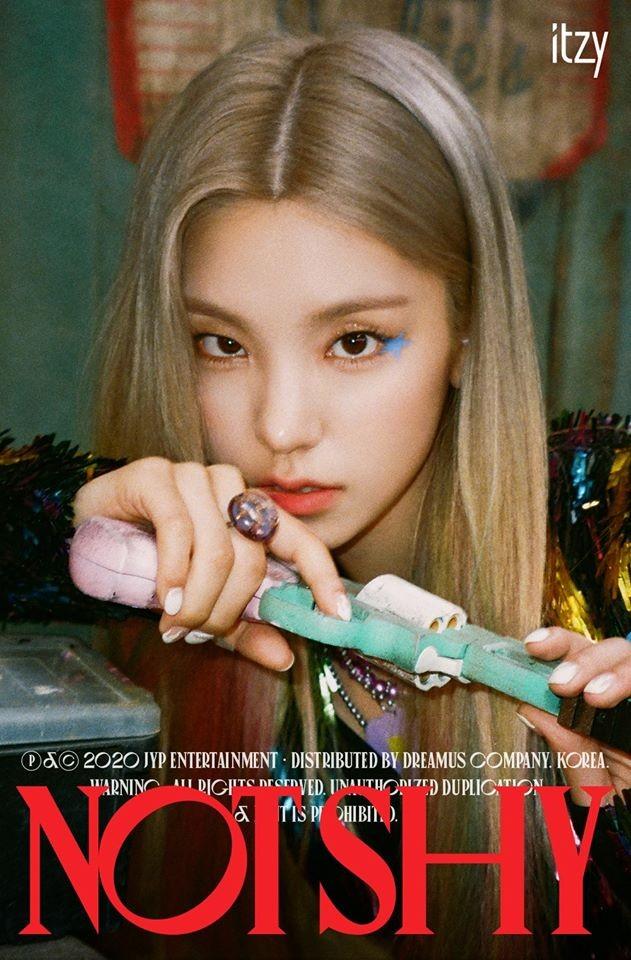 Visual mới của Yeji (ITZY) có gì đặc biệt mà khiến netizen Hàn bàn tán xôn xao mấy ngày? ảnh 3