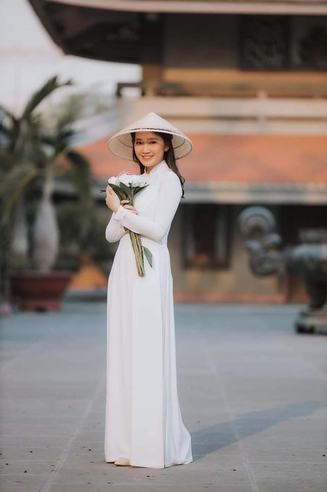 Phương Tuyết - thí sinh Hoa hậu Việt Nam khu vực miền Tây có đôi mắt 1 mí ấn tượng ảnh 3