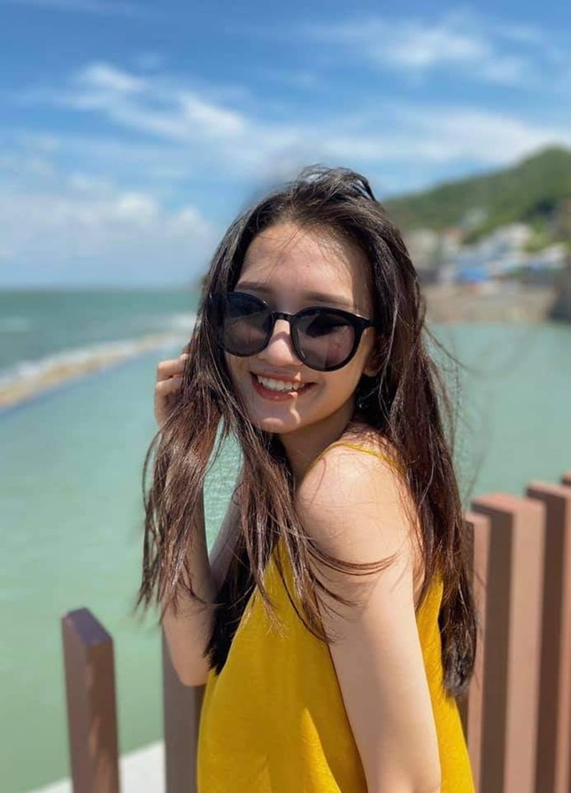 Phương Tuyết - thí sinh Hoa hậu Việt Nam khu vực miền Tây có đôi mắt 1 mí ấn tượng ảnh 2