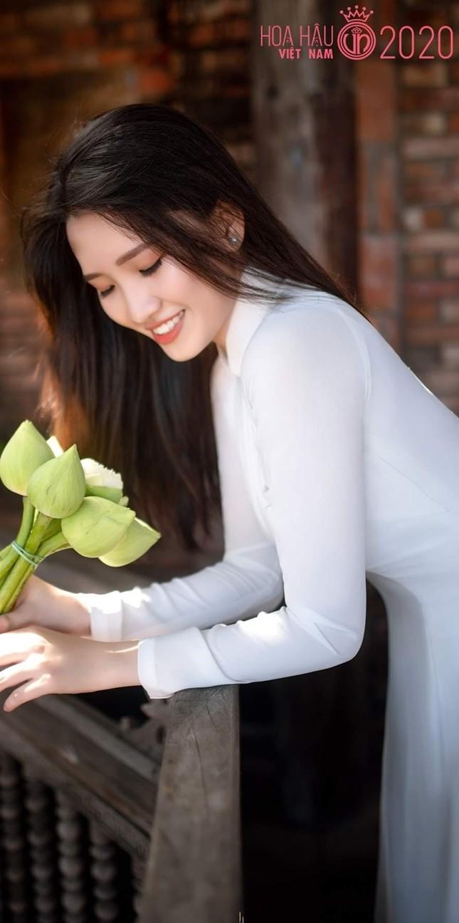 Phương Tuyết - thí sinh Hoa hậu Việt Nam khu vực miền Tây có đôi mắt 1 mí ấn tượng ảnh 1
