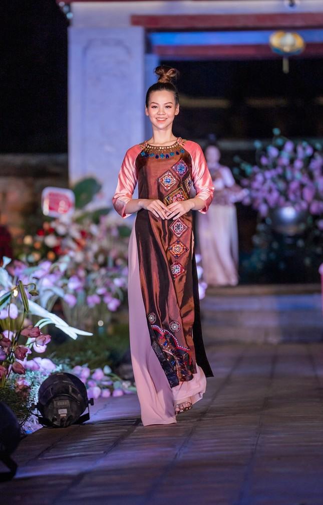 Minh Thư - cô gái giảm 17kg để sở hữu vòng eo 57cm trong dàn thí sinh Hoa hậu Việt Nam ảnh 6