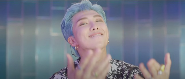 """Teaser MV """"Dynamite"""" của BTS ẩn chứa nhiều thông điệp thú vị, từng chi tiết đều có ý nghĩa ảnh 7"""