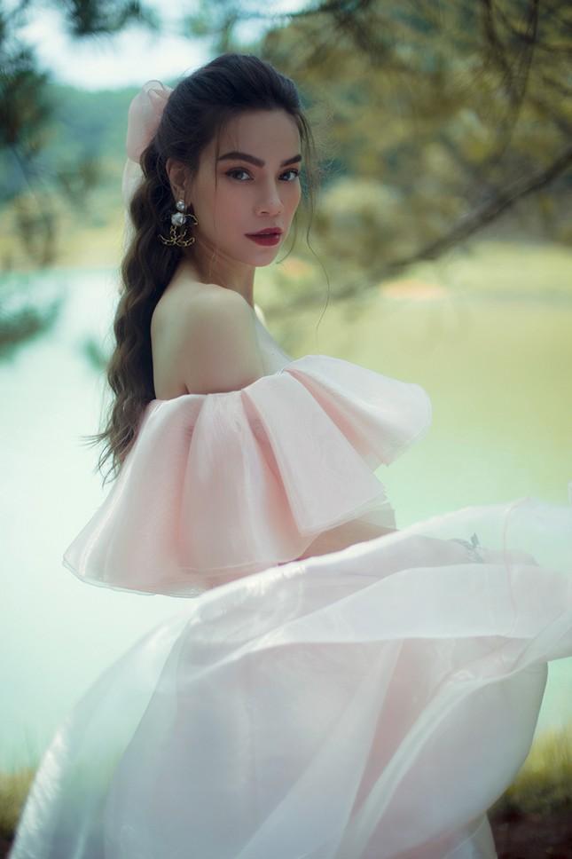 Hồ Ngọc Hà mang bầu vẫn không ngại lội xuống hồ thực hiện bộ ảnh đẹp mê hồn  cho album mới ảnh 5