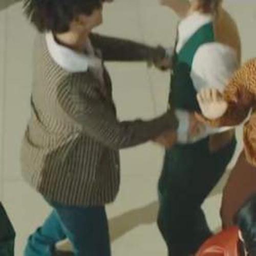 """Big Hit tung MV Dynamite (B-side) - phiên bản """"tấu hài"""" cực mạnh từ các chàng trai BTS ảnh 3"""