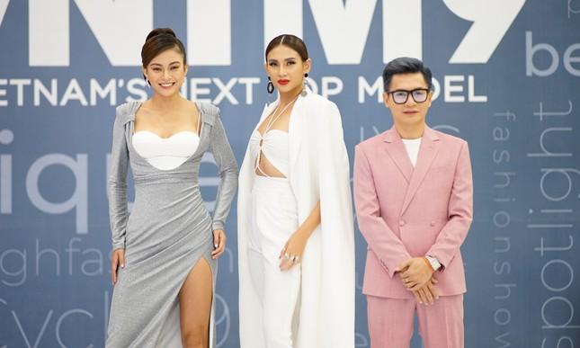 """Vietnam's Next Top Model mùa 9 quay trở lại, netizen chuẩn bị tha hồ """"hít drama"""" giải trí ảnh 3"""
