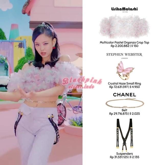 """Stylist có quá táo bạo khi cho Jennie BLACKPINK """"khoe"""" áo lót trong MV """"Ice Cream""""? ảnh 2"""