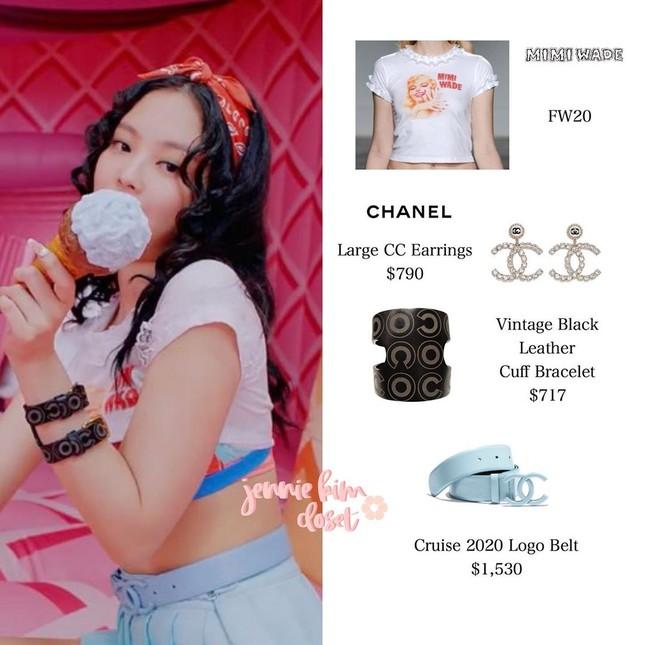 """Stylist có quá táo bạo khi cho Jennie BLACKPINK """"khoe"""" áo lót trong MV """"Ice Cream""""? ảnh 4"""