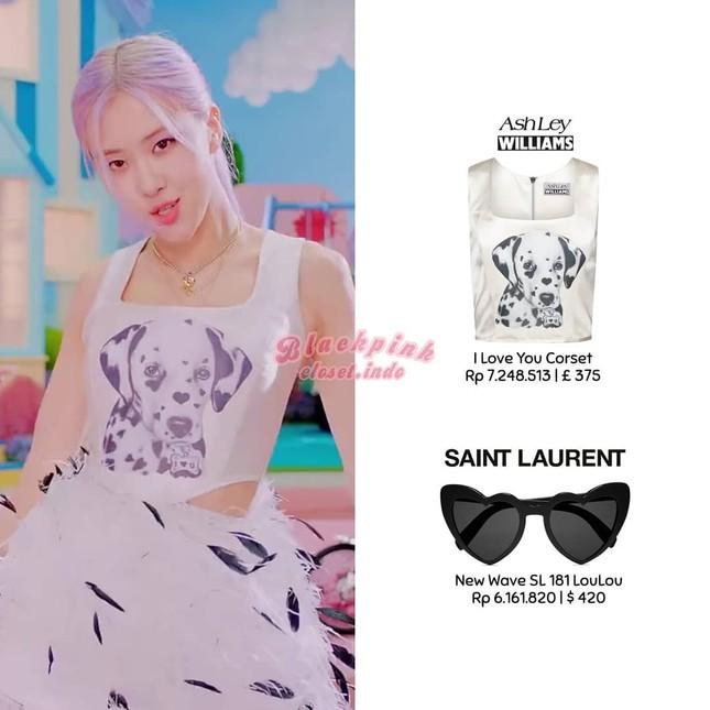 """Xem """"Ice Cream"""", netizen nể phục màn biến áo thành váy của stylist cho Rosé BLACKPINK ảnh 3"""