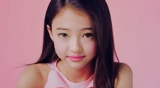 """3 cô gái được cho là """"bản sao"""" của Jennie BLACKPINK, giống nhất lại là cô bé mới 12 tuổi ảnh 5"""
