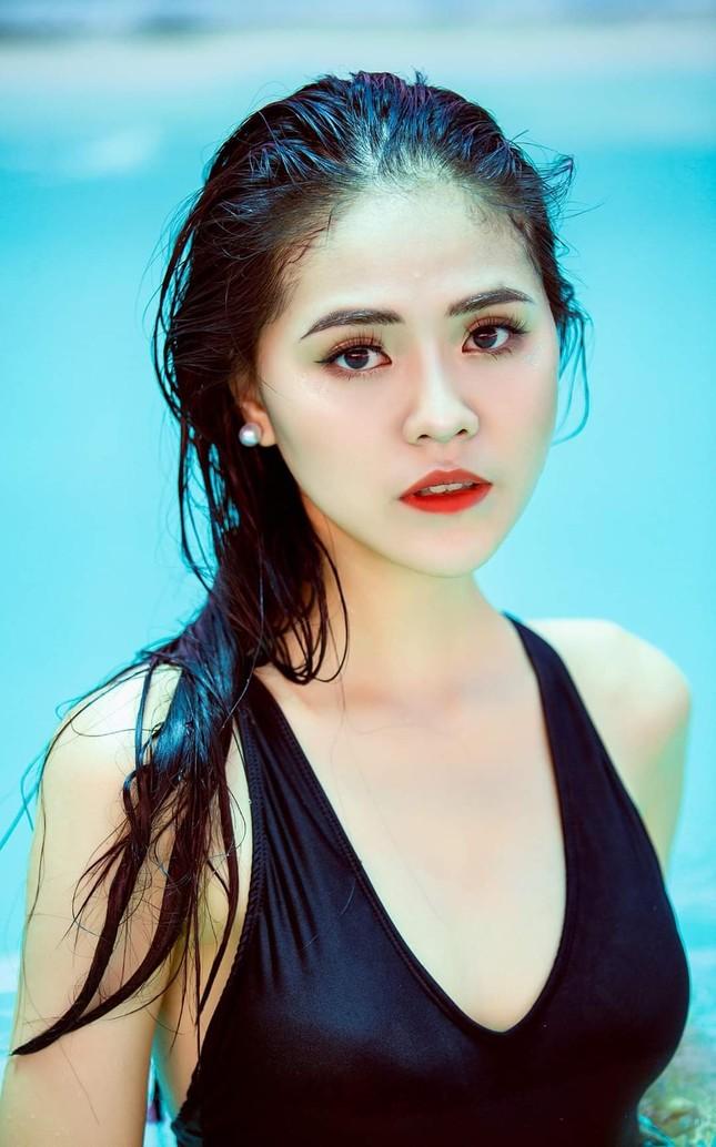 Thu Hằng - thí sinh đôi mắt biết nói và vòng eo siêu thực của Hoa Hậu Việt Nam 2020 ảnh 2