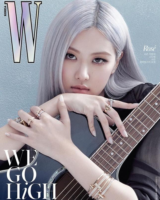 Rosé BLACKPINK xinh đẹp như một đóa hồng kiêu sa trên bìa tạp chí W Hàn tháng 10 ảnh 2