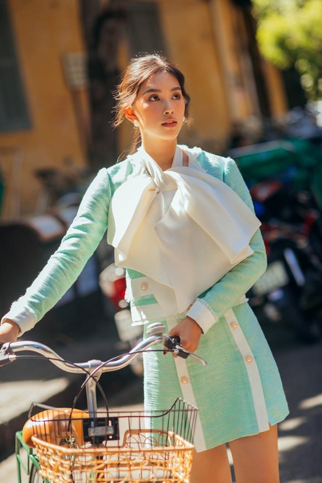 Hoa hậu Tiểu Vy khoe nhan sắc rực rỡ trong bộ ảnh mới chụp tại quê nhà Hội An ảnh 8