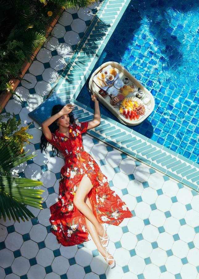 Hoa hậu Tiểu Vy khoe nhan sắc rực rỡ trong bộ ảnh mới chụp tại quê nhà Hội An ảnh 5
