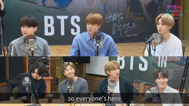 """Biểu cảm """"hoảng hốt tột độ"""" siêu buồn cười của V BTS trở thành đề tài hot của netizen Hàn ảnh 2"""