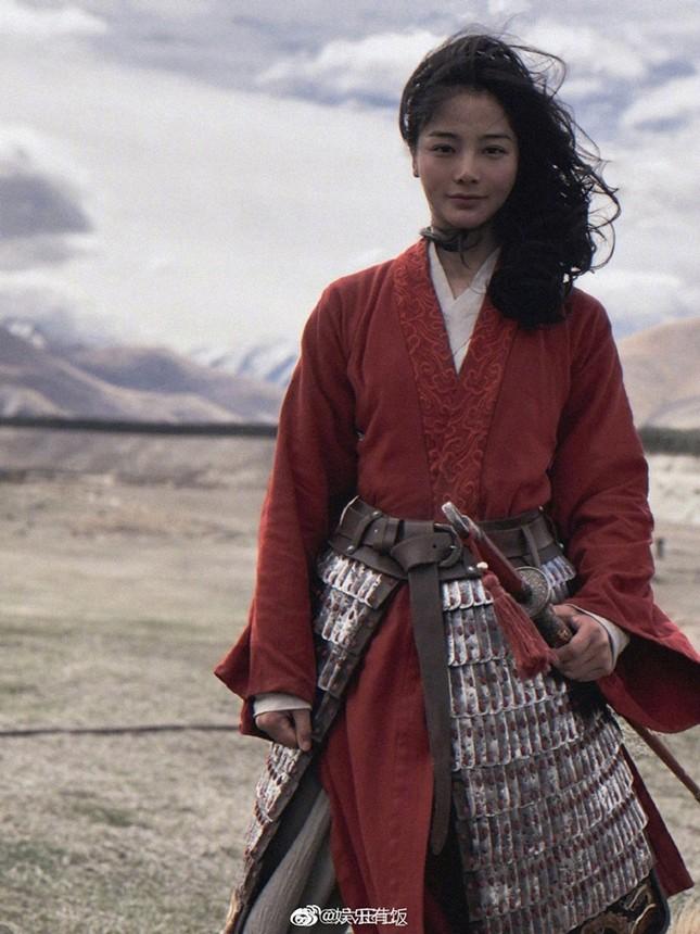 """Diễn viên đóng thế Lưu Diệc Phi trong """"Mulan"""" bất ngờ được netizen Trung hết lời khen ngợi ảnh 1"""