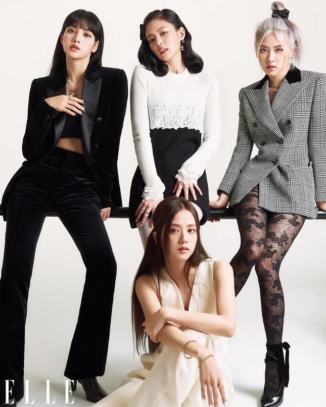 Mặc quần tất lưới cho Rosé trên ELLE Mỹ, stylist của BLACKPINK bị chê thiếu tinh tế ảnh 5