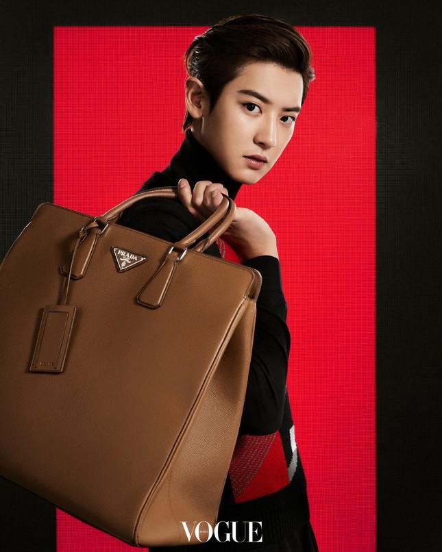 Vì sao netizen Hàn tranh cãi việc Irene và Chanyeol làm đại sứ thương hiệu cho Prada? ảnh 4