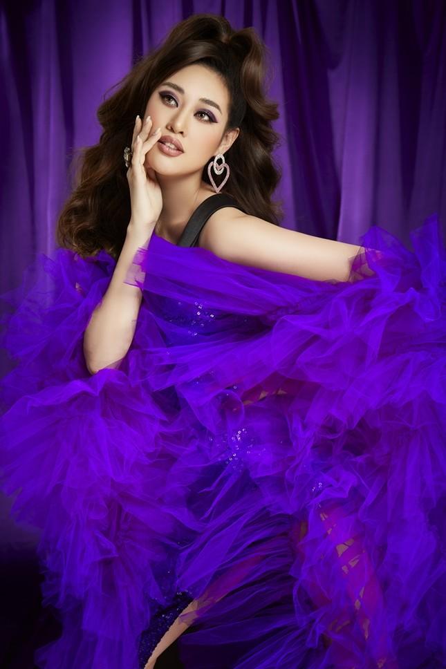 """Hoa hậu Khánh Vân hóa thân thành """"Drag Queen"""" trong bộ ảnh dành tặng cộng đồng LGBTQ+ ảnh 4"""