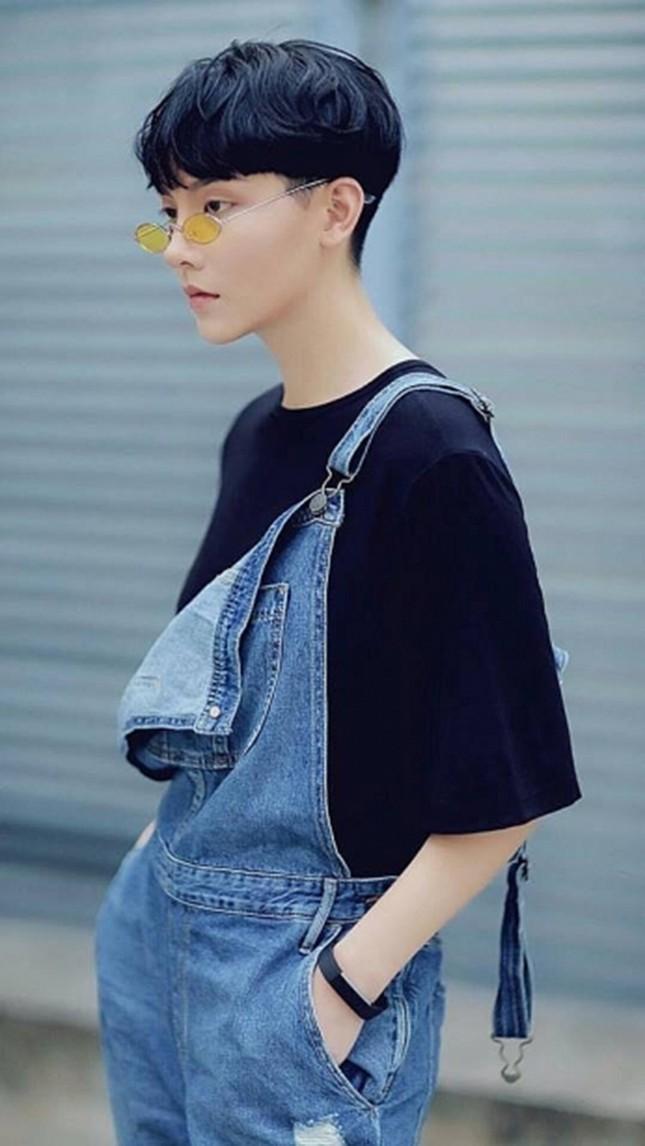 Người mẫu được nhận xét có ngoại hình giống thành viên BTS hóa ra là người Việt ảnh 4