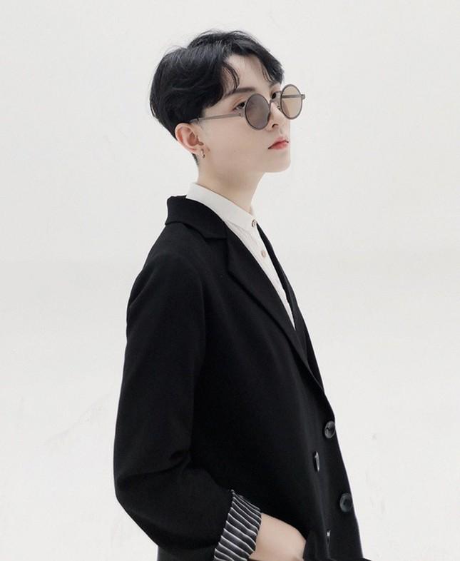 Người mẫu được nhận xét có ngoại hình giống thành viên BTS hóa ra là người Việt ảnh 7