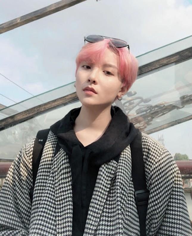 Người mẫu được nhận xét có ngoại hình giống thành viên BTS hóa ra là người Việt ảnh 6
