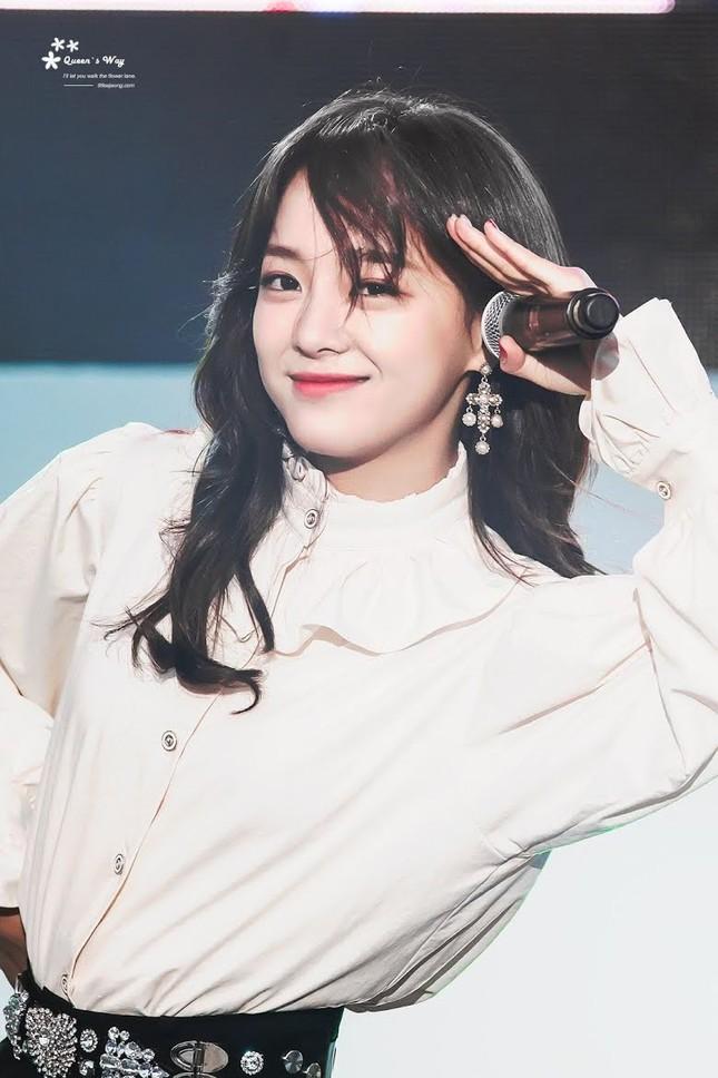 """Jang Won Young """"vượt mặt"""" các thành viên BLACKPINK trong Top 5 idol nữ xinh đẹp nhất 2020 ảnh 9"""