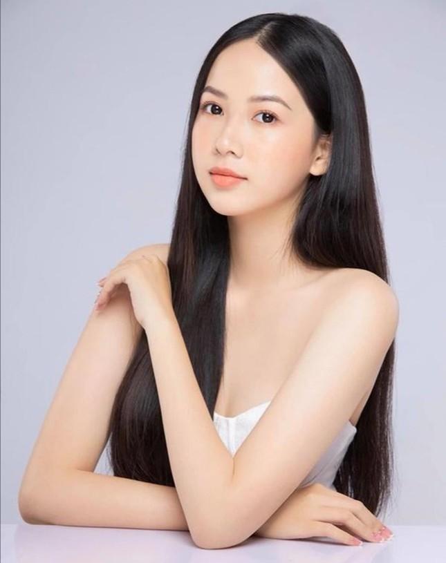 """Hoa Hậu Việt Nam 2020: Dàn ứng viên đẹp như """"nữ chính ngôn tình"""" trong Top 30 phía Nam ảnh 1"""