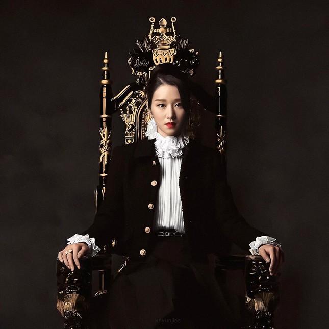 Seo Ye Ji xuất hiện đầy quyền lực trong loạt ảnh quảng cáo cuốn sách đang gây sốt tại Hàn ảnh 1