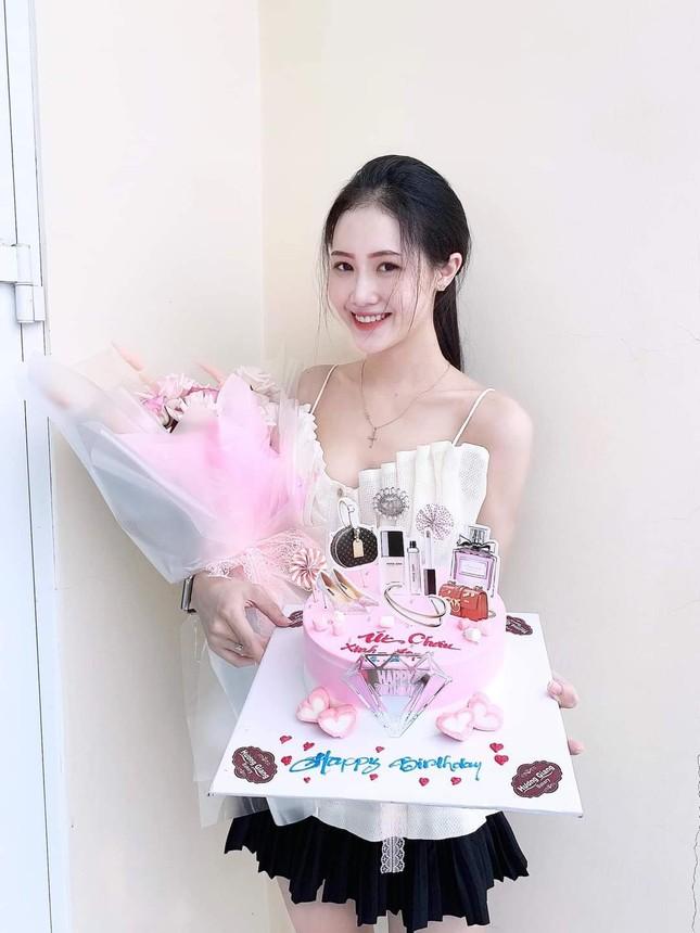 Trân Châu - thí sinh sở hữu vòng eo nhỏ nhất của Top 30 phía Nam Hoa Hậu Việt Nam 2020 ảnh 4