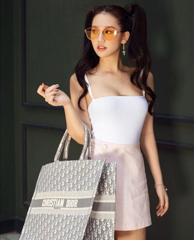 """Choáng với bộ sưu tập túi hàng hiệu đáng ngưỡng mộ của """"công chúa kẹo ngọt"""" Amee ảnh 1"""