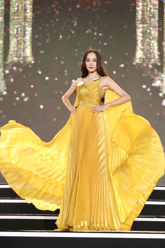 Top 35 Hoa hậu Việt Nam 2020 chính thức lộ diện trong trang phục dạ hội lộng lẫy ảnh 6