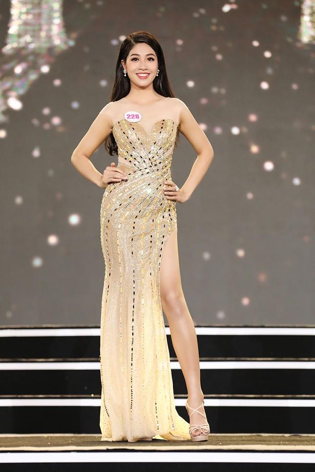 Top 35 Hoa hậu Việt Nam 2020 chính thức lộ diện trong trang phục dạ hội lộng lẫy ảnh 9