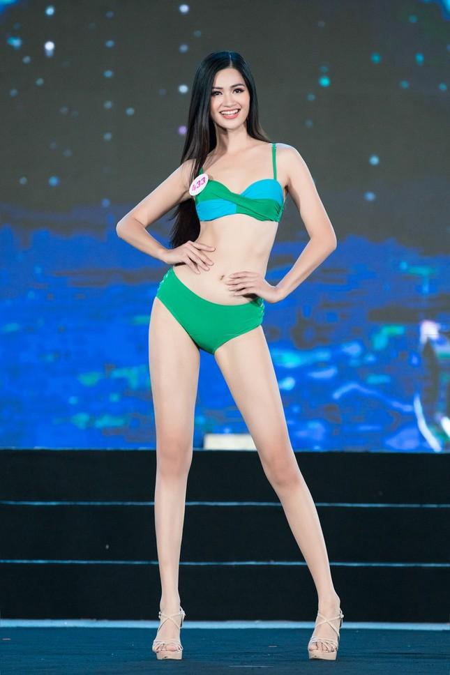 Top 40 Hoa Hậu Việt Nam 2020 khoe body cực phẩm với áo tắm trên sân khấu Bán kết ảnh 8