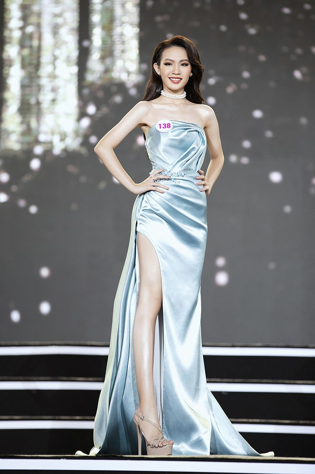Top 35 Hoa hậu Việt Nam 2020 chính thức lộ diện trong trang phục dạ hội lộng lẫy ảnh 25