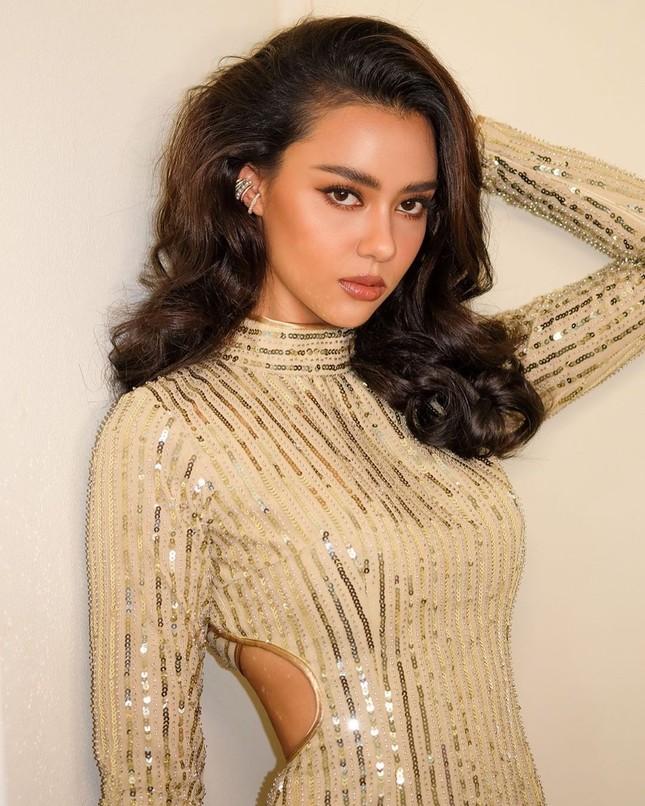 Ngắm nhan sắc lai xinh đẹp cực hút mắt của tân Hoa hậu Hoàn Vũ Thái Lan 2020 Amanda Obdam ảnh 3