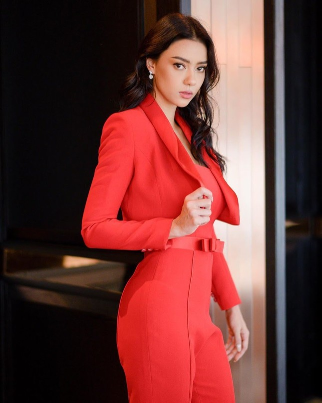 Ngắm nhan sắc lai xinh đẹp cực hút mắt của tân Hoa hậu Hoàn Vũ Thái Lan 2020 Amanda Obdam ảnh 6