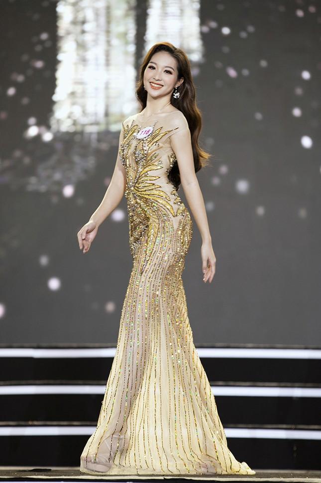 Top 35 Hoa hậu Việt Nam 2020 chính thức lộ diện trong trang phục dạ hội lộng lẫy ảnh 14