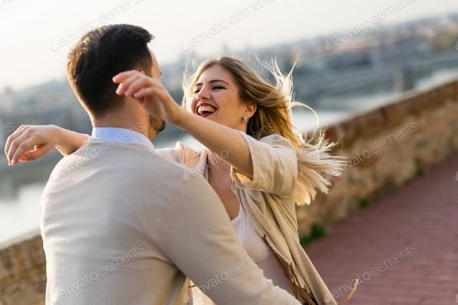 """Bạn thuộc tuýp nào khi yêu đương: Chuyên """"tấn công"""" hay chỉ """"cố thủ"""" trong tình cảm? ảnh 5"""