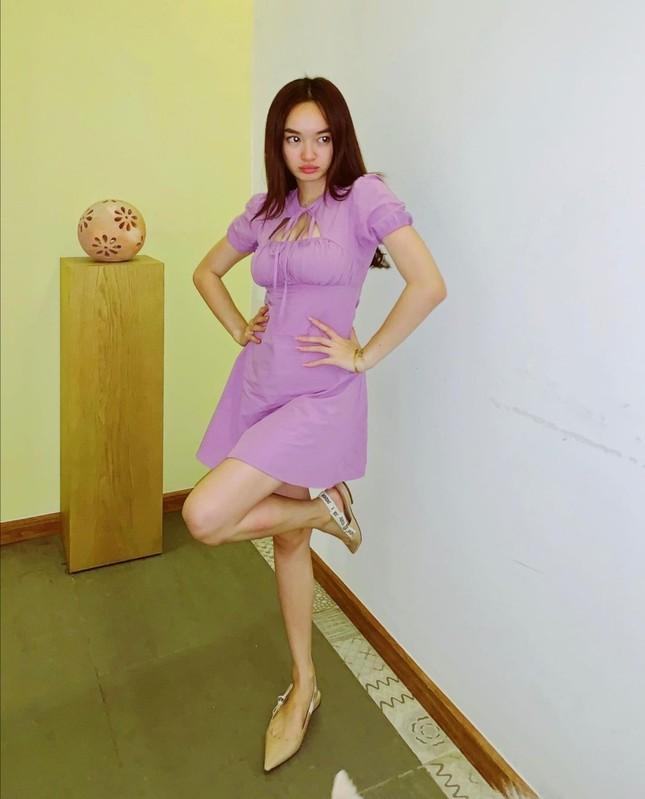 Học Quỳnh Anh Shyn, Jun Vũ, AMEE… cách phối sắc tím với trang phục Thu Đông cực đẹp ảnh 7