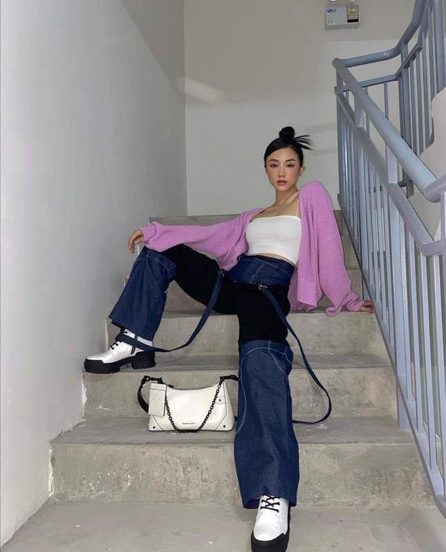 Học Quỳnh Anh Shyn, Jun Vũ, AMEE… cách phối sắc tím với trang phục Thu Đông cực đẹp ảnh 6