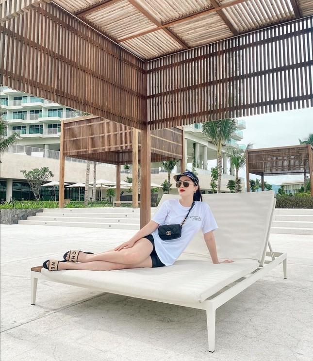 """Hội mặc đẹp showbiz Việt gợi ý cho bạn cách """"mix&match"""" trang phục để nhận """"bão like"""" ảnh 6"""
