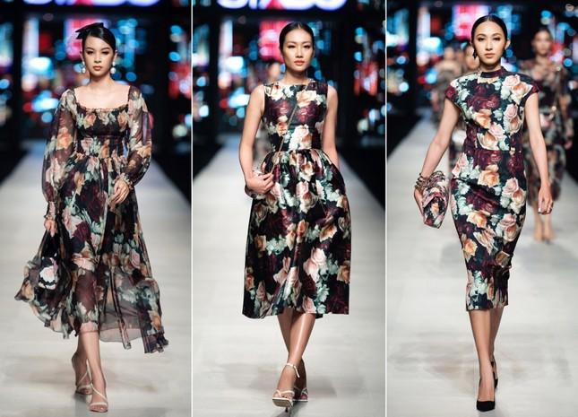 Mãn nhãn với dàn Hoa hậu và người mẫu hội tụ trong show diễn thời trang siêu hoành tráng ảnh 6