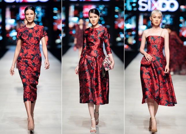 Mãn nhãn với dàn Hoa hậu và người mẫu hội tụ trong show diễn thời trang siêu hoành tráng ảnh 8