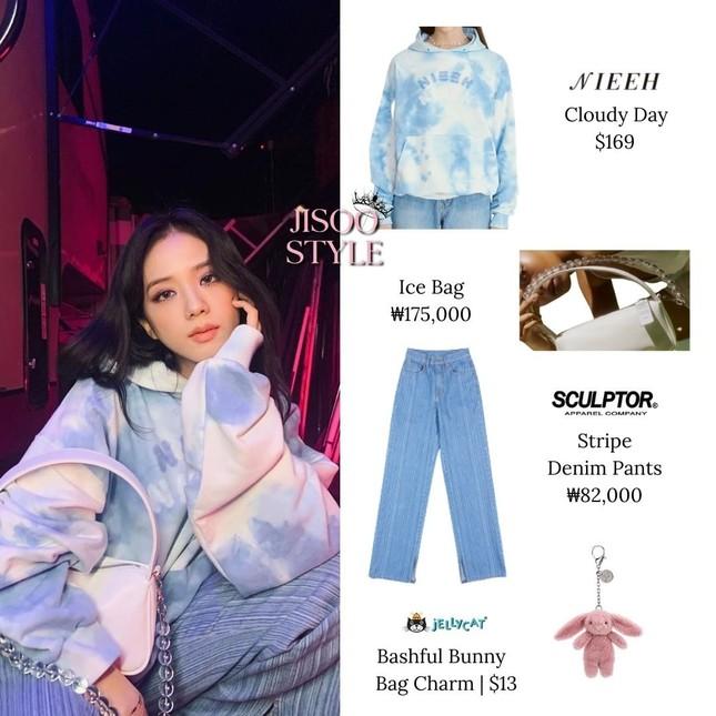"""Đụng hàng chiếc áo hoodie, Jisoo (BLACKPINK) mix đồ """"cao tay"""" hơn hẳn Yeri (Red Velvet) ảnh 3"""