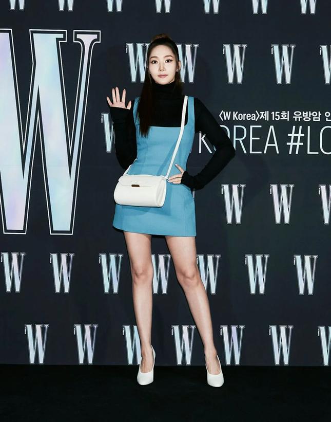 Park Min Young gây sốc với khuôn mặt không ai nhận ra tại sự kiện của tạp chí W Hàn ảnh 2