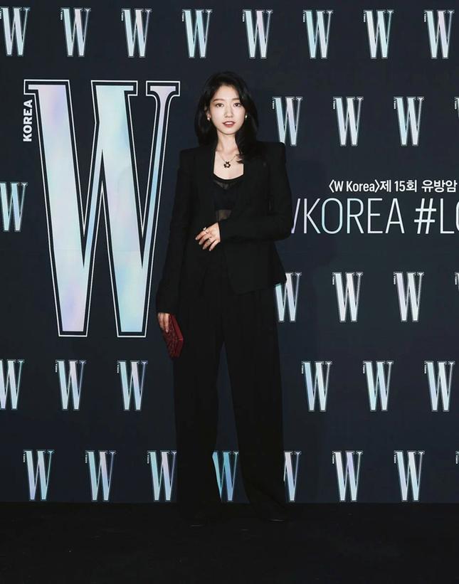 Park Min Young gây sốc với khuôn mặt không ai nhận ra tại sự kiện của tạp chí W Hàn ảnh 6