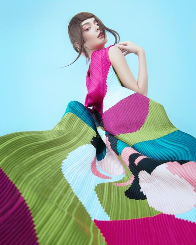 MLee khoe bộ ảnh thời trang cực chất như siêu mẫu quốc tế, mặc kín bưng vẫn nóng 100 độ ảnh 5