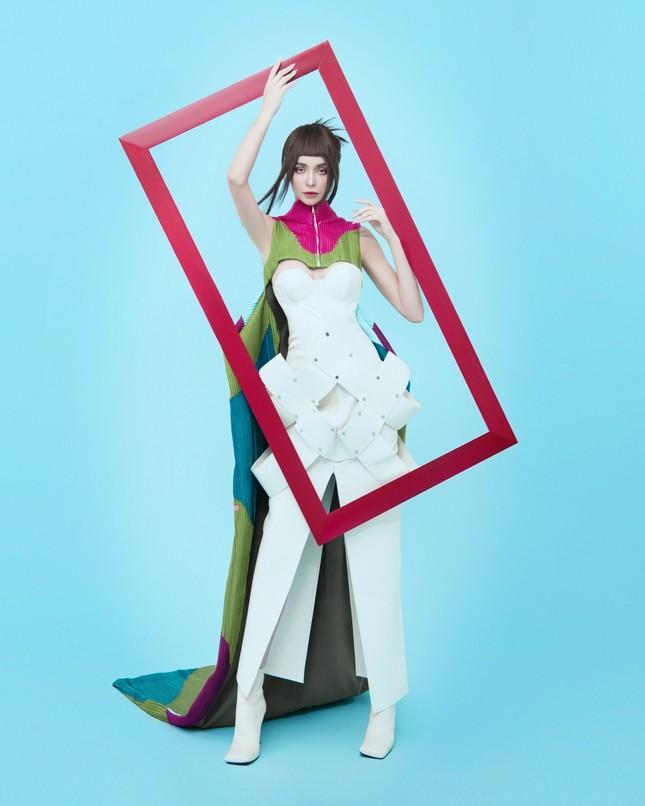 MLee khoe bộ ảnh thời trang cực chất như siêu mẫu quốc tế, mặc kín bưng vẫn nóng 100 độ ảnh 4