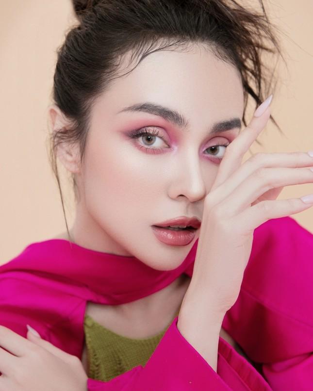 MLee khoe bộ ảnh thời trang cực chất như siêu mẫu quốc tế, mặc kín bưng vẫn nóng 100 độ ảnh 1
