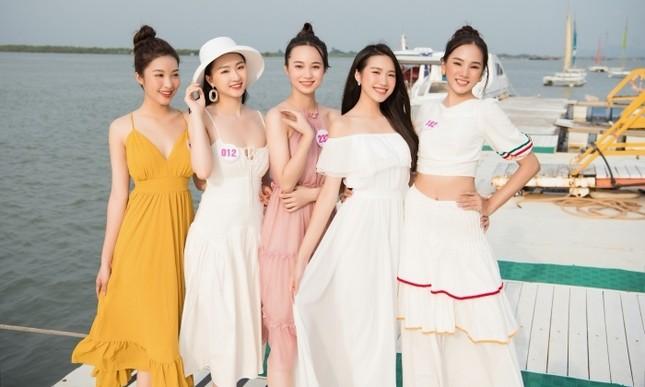 Dàn thí sinh Hoa Hậu Việt Nam 2020 khoe nhan sắc ngọt ngào trước biển trời Vũng Tàu ảnh 7